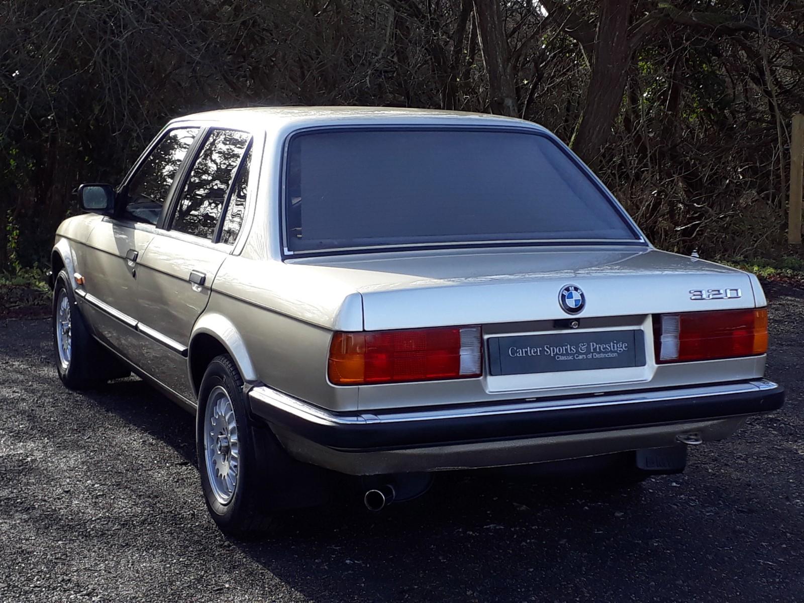 BMW 320i SE £5495