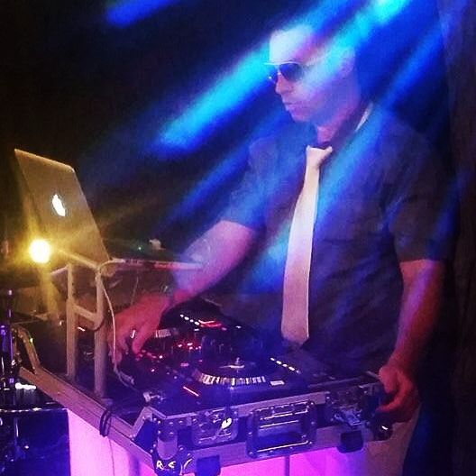 // DJ SIMPLE //