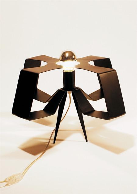 TABLE / SUSPENSION