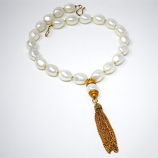 Shell Pearls and Brass necklace by D-Stinct Designs
