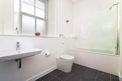 Harbour View bathroom