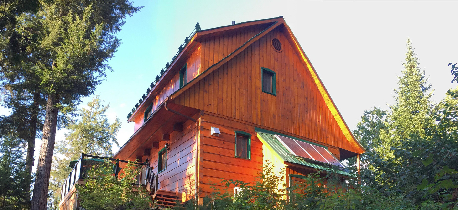 Natural Cedar Cottage - Gold Rush