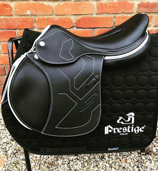 Buy new and second hand saddles in the south or around Newbury