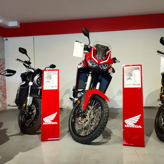 20YM_CBR1000RR-R_SP_Location_Riding_Honda_Moto_Reinhard_AG_Schweiz_Motorrad_Motorcycle_Tourer_Naked_