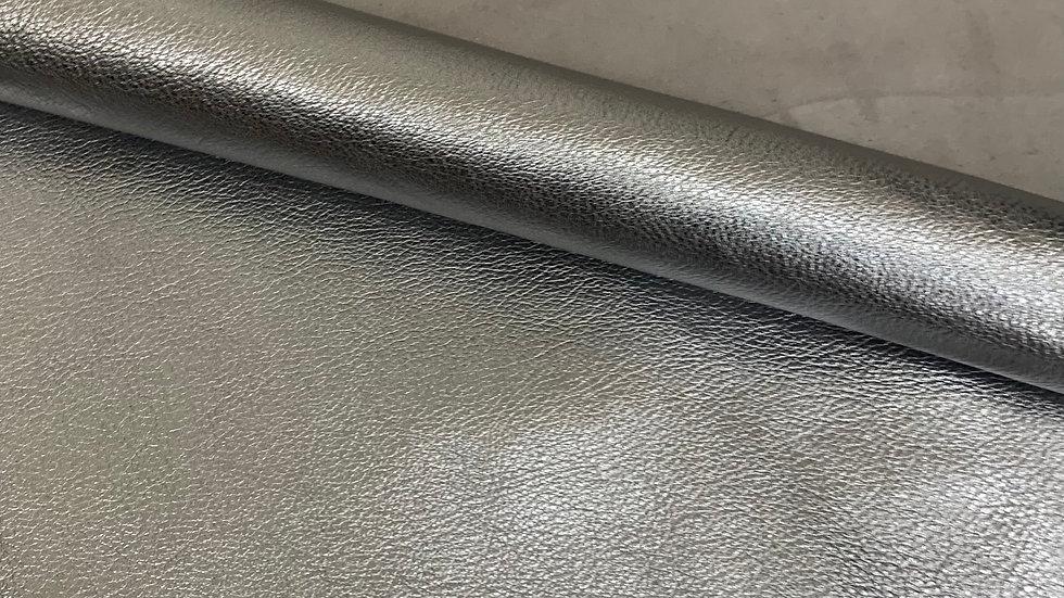 Capre Bueno Crispe | Silver Metallic Foil | Falco Pellami
