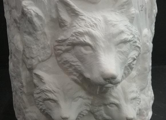Wolf planter