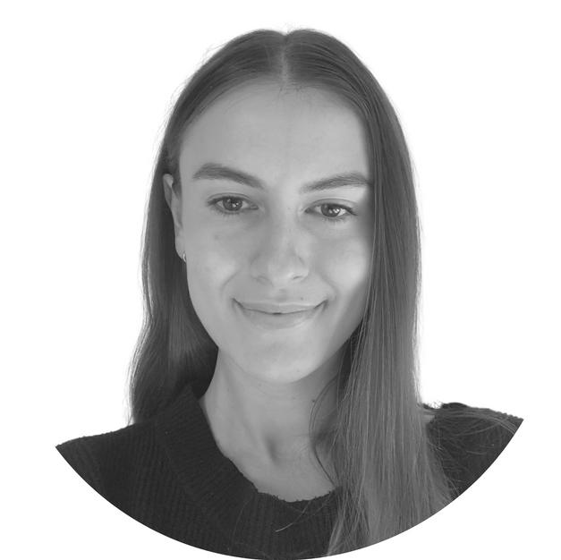 Emilie Najdovski – Legal Assistant