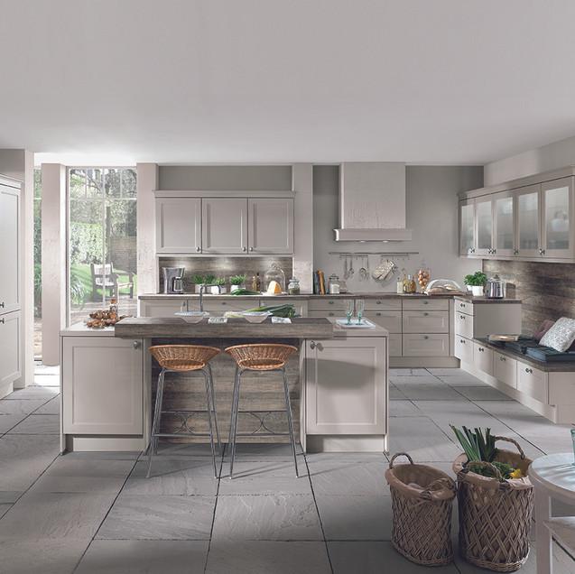 Chalet Cottage Kitchen (2) 72dpi.jpg