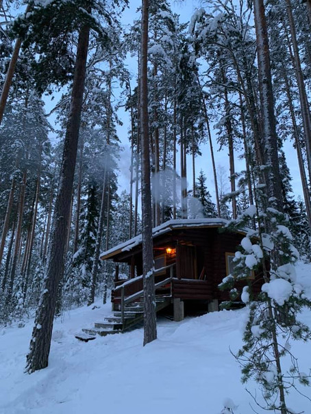 Heinola cabin life - I'm loving winters in the forest and by this lake