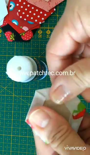 Revestindo Papéis Hexágono com cola_