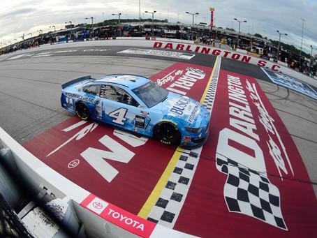 Kevin Harvick wins NASCAR's return from COVID-19 season suspension at Darlington Raceway