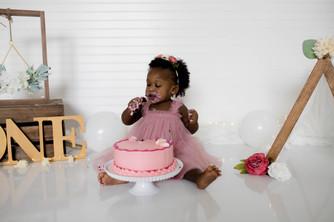 2021-07-03. Smash Cake, Elyza (36).jpg