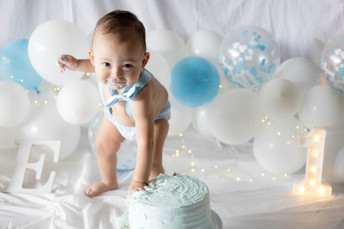 2021-03-13. Kyrie, Smash Cake-26.jpg