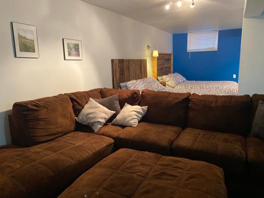 Sous-sol - divan.JPG