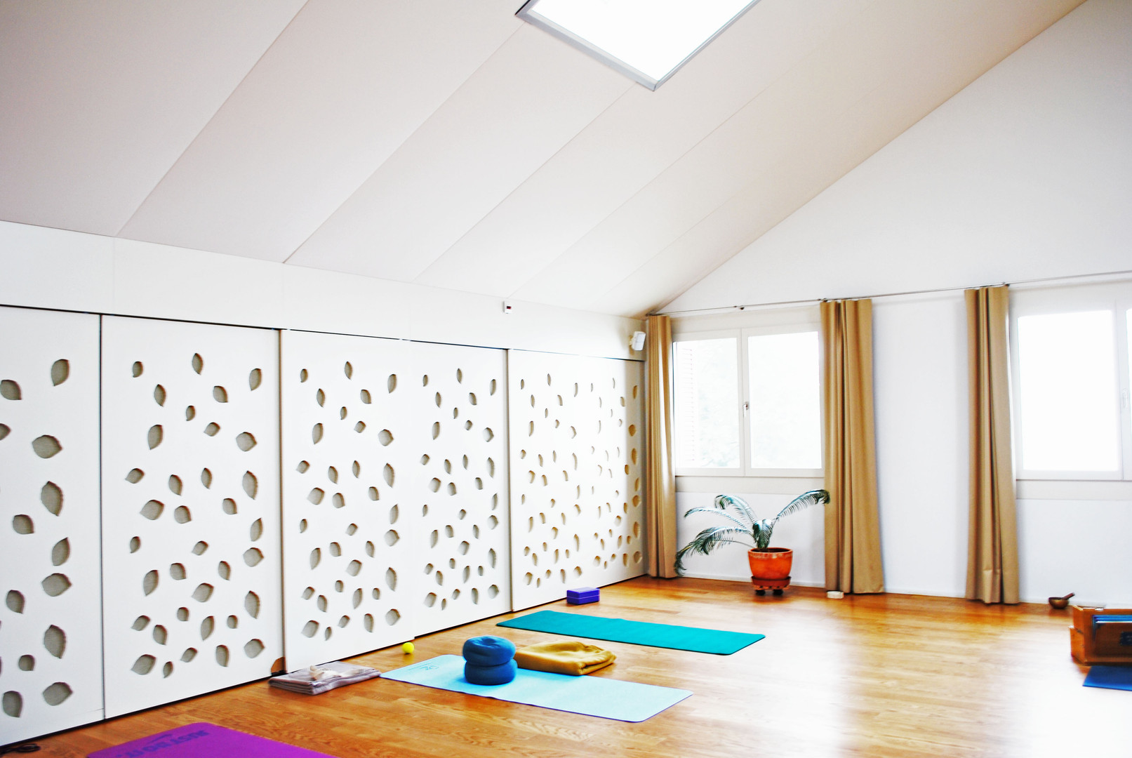 Yoga_room2.jpg