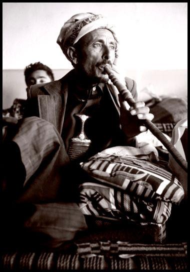 yemen kat smokers BW.jpg