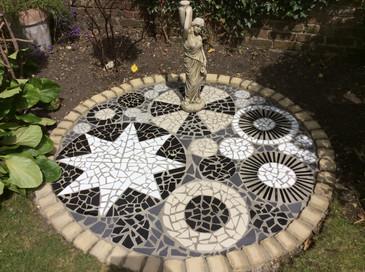 Black/white circle mosaic