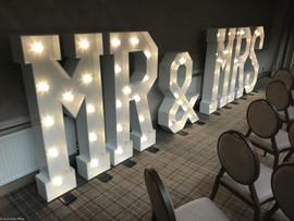 "5ft dmx controlled LED ""Mr & Mrs"" light up letters"
