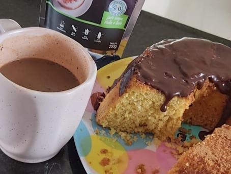 A ganache de chocolate no bolo de farinha de milho!!!!!