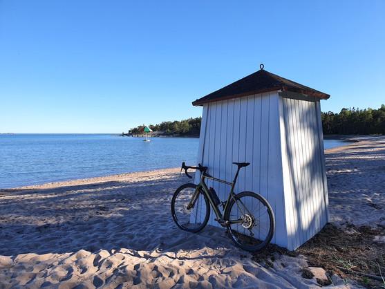 Hanko_bikebeachhouse.jpg
