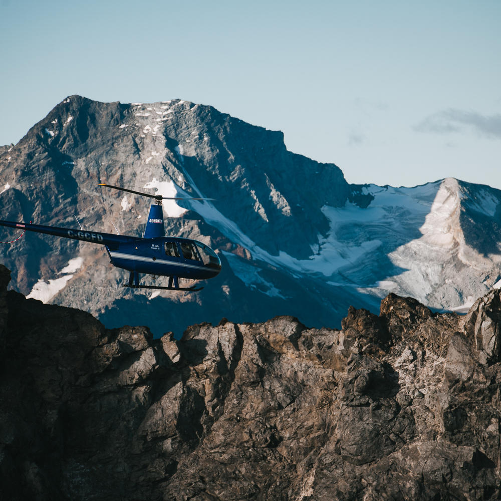 Helicopter Sightseeing in Desolation Sou