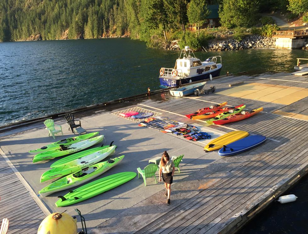 Klahoose Wilderness Resort - Kayaks and Stand Up Paddle Boards