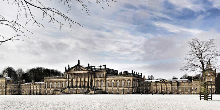 Snowy day at Wentworth Woodhouse