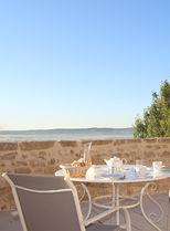 petit dejeuner en terrasse