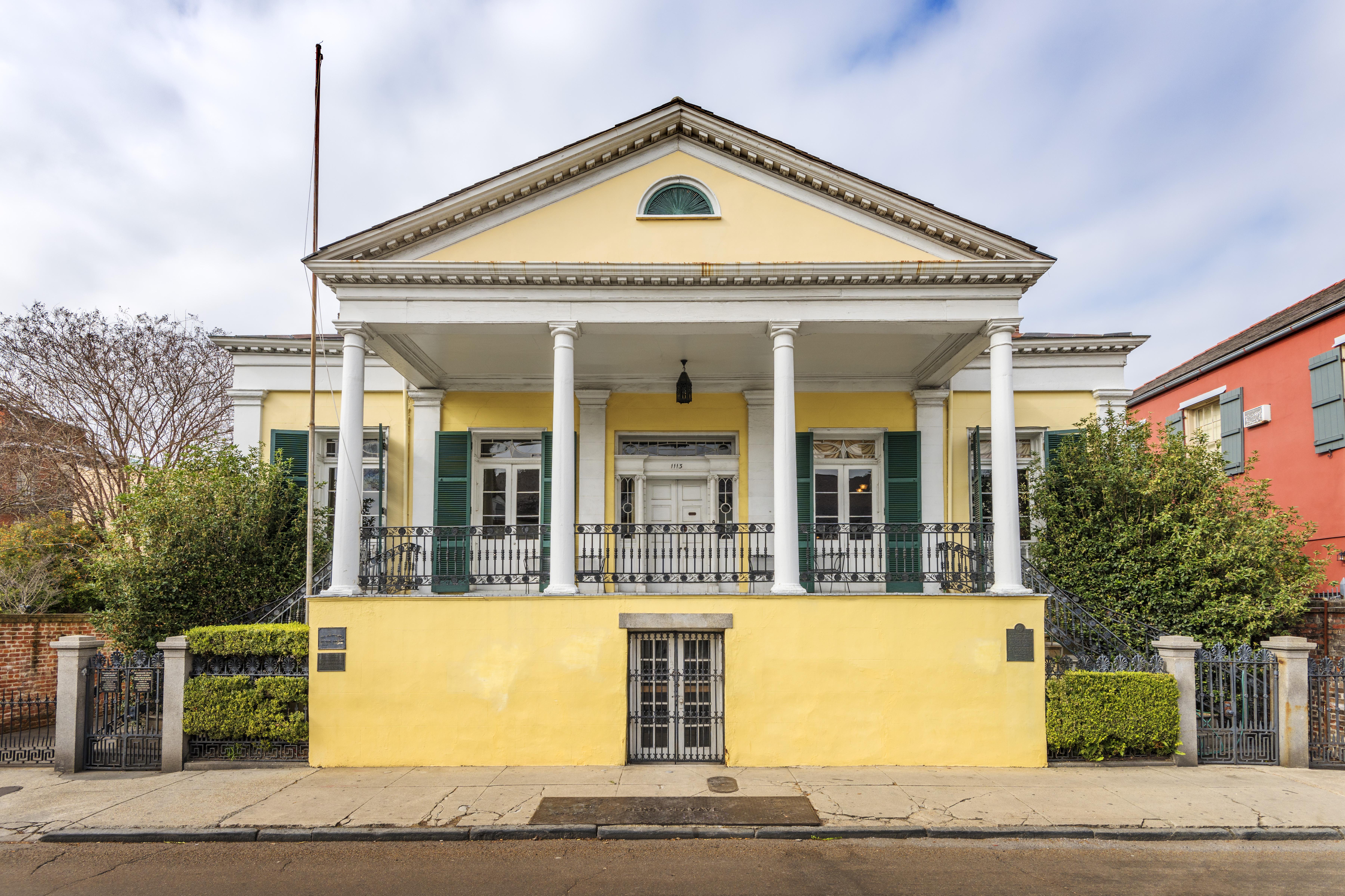 BK House, front facade
