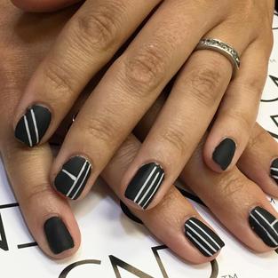 Line Nail Art.jpg
