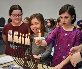 Gimel (3rd-grade) Hanukkah Hagigah 2019