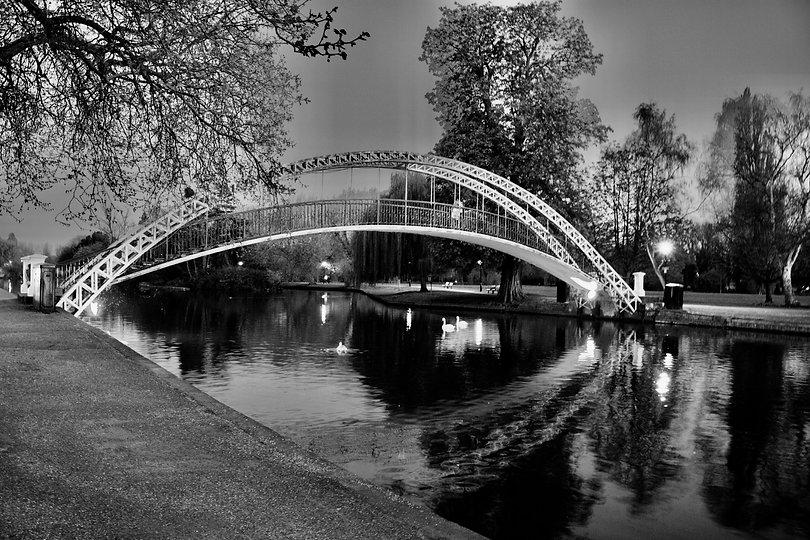 Bridge-in-Bedford-666504068_6000x4000_edited.jpg