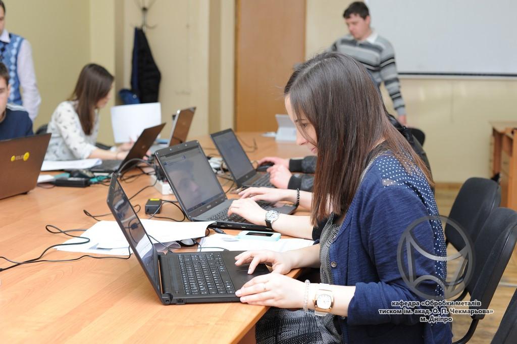Студентська олімпіада QForm-2016 (кафедра ОМТ, НМетАУ)