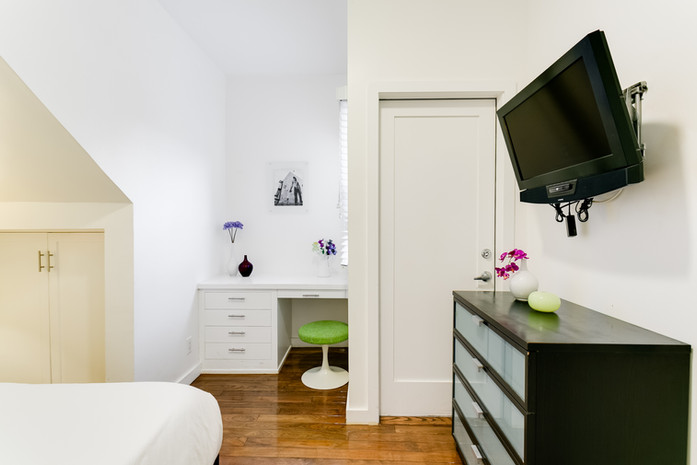 photos show examples of condos in a category but not necessarily the specific one you may receive.