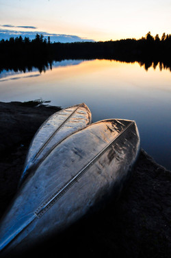 Resting canoes