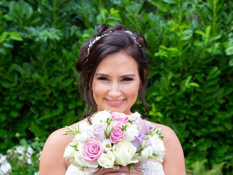 Jodie & Scott's awesome Tewin Bury Farm wedding...