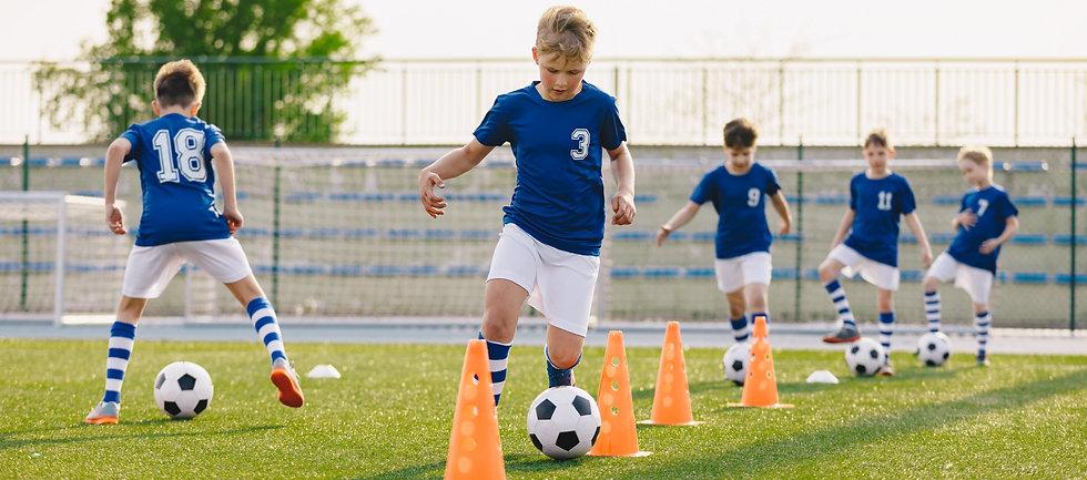 Soccer%2520Training%2520-%2520Warm%2520Up%2520and%2520Slalom%2520Drills_edited_edited.jpg