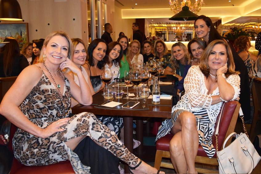 Nina, Norine, Valeria, Claudia, Zizi, Ca