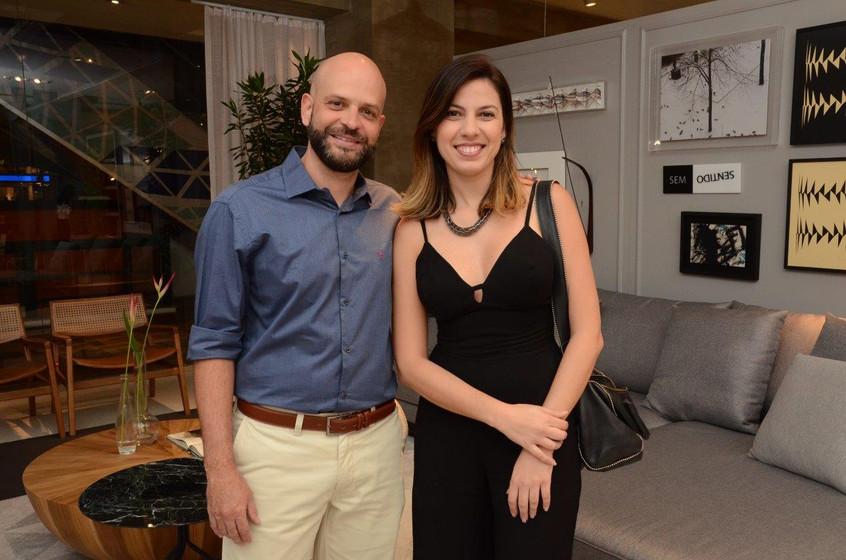 Ary Nicolau e Luciana Fontenelle