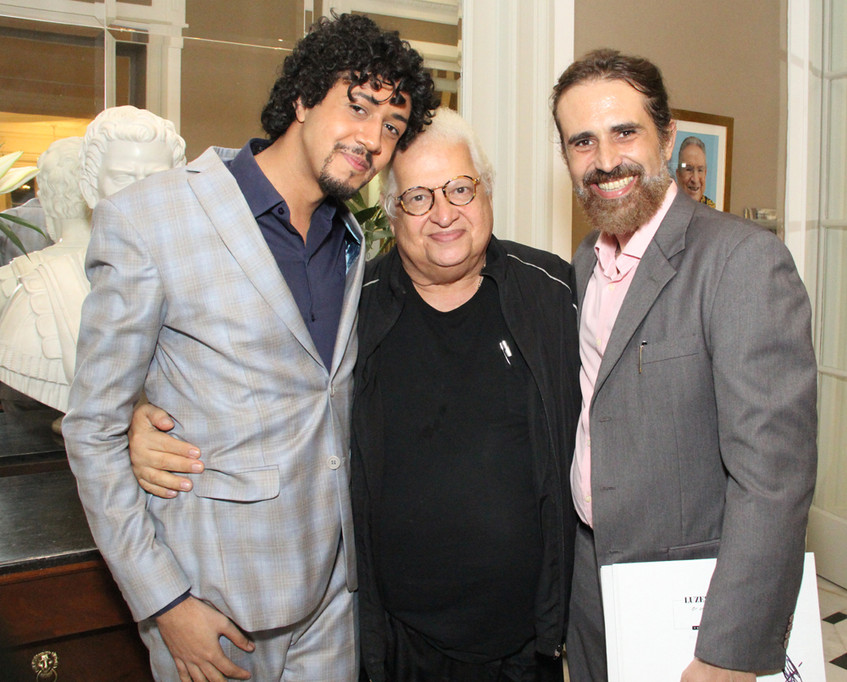 Carlos Serpa entre Abyner Gomez e Christ