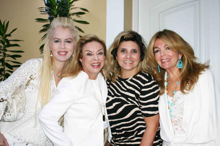 Giovanna Priolli, Tayana Ruiz e amigas