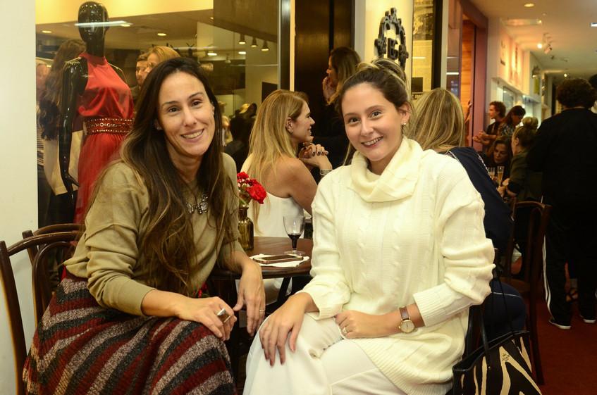 Bruna Barros e Catarina Grunewald
