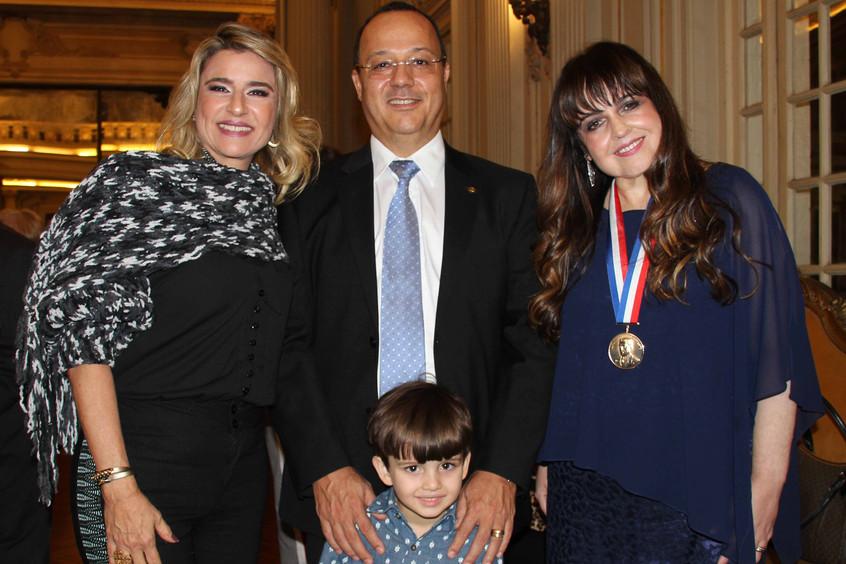 Vereador Jorge Manaia e familia com Adri