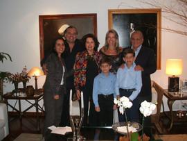 Gisela Pitanguy, Helcius Pitanguy, Marilu Pitanguy, Adriana de Rivera, Ivo Pitanguy, Sebastian e Daniel Rivera  na residência do Dr. Enzo