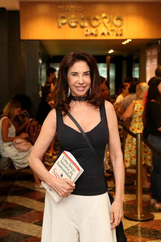 Claudia Alencar 8784