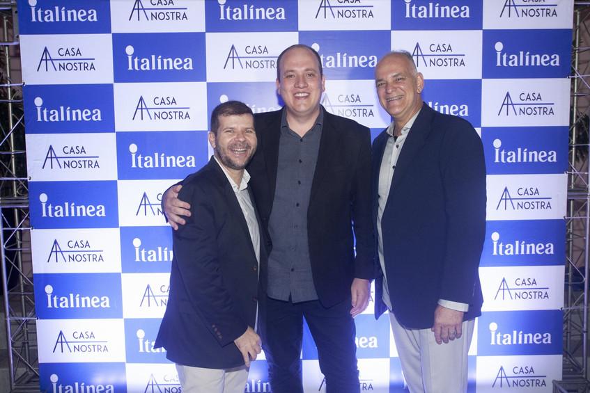 346Q2985- Andre Farias, Diego Machado e