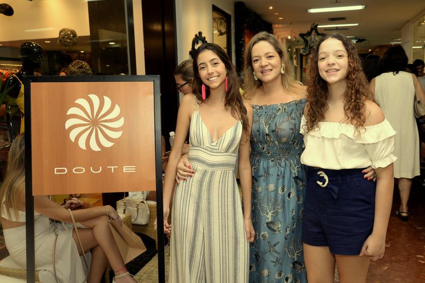 Maria Eduarda, Bianca e Ana Carolina Gib