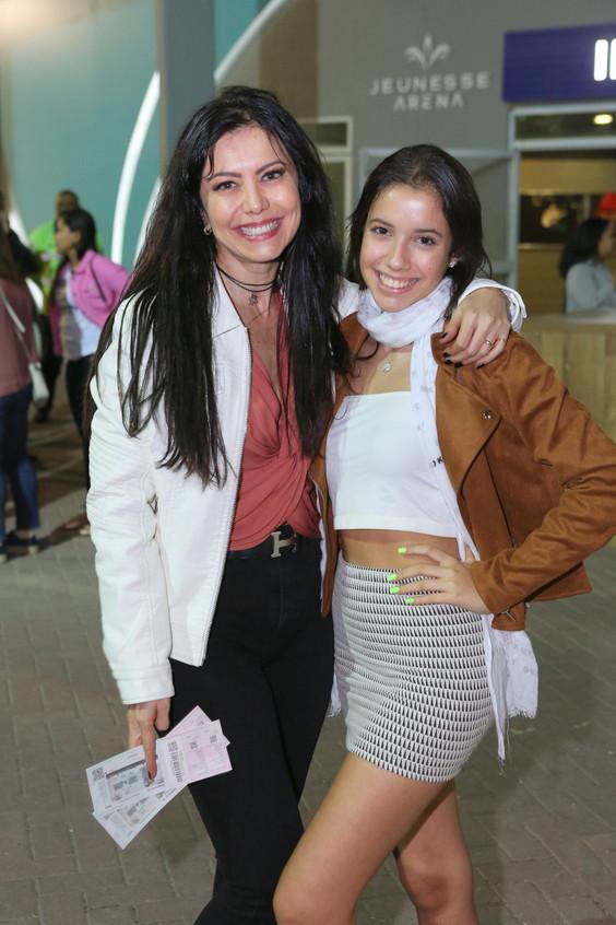 Simone Soares posa com a filha, Luana 62