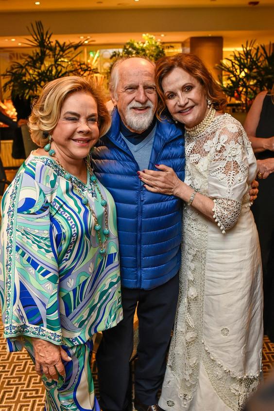 Regina Rique, Ary Fontoura e Rosamaria M