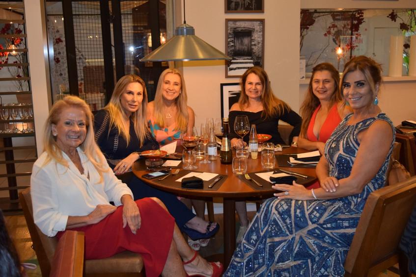 Claudia Bueri e amigas
